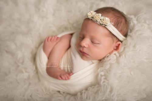 Newborn-Baby-Cairns-Photography-Portrait-Photos-Photographer-Redlynch-12